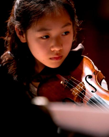 Yesong Sophie Lee, Violin